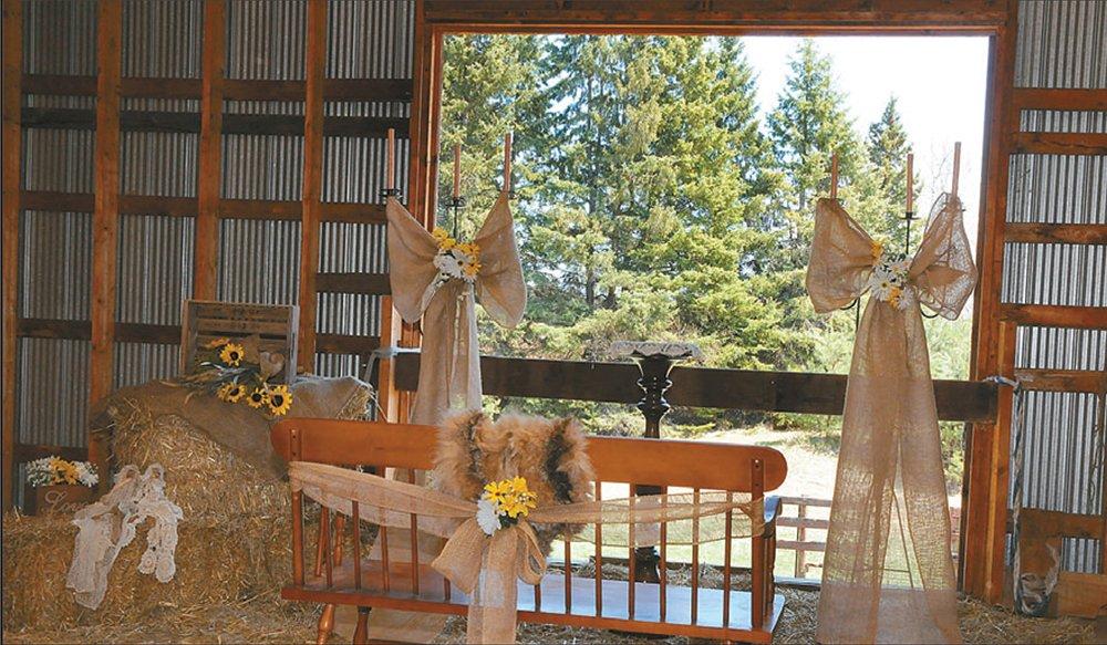 Pop Up Weddings and Elopements at Shine Photo Studio. Inspiredweddings.ca